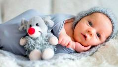 До скольки месяцев нужно пеленать ребенка